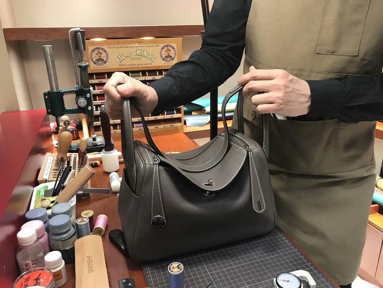 8F 錫器灰 Etain 爱马仕 HERMES Lindy 26/30cm 银扣 配全套专柜原版包装