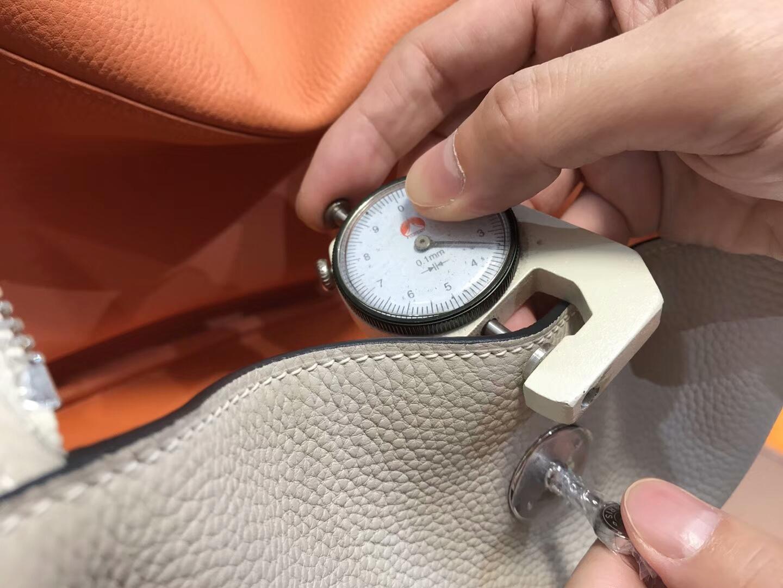 爱马仕 HERMES Lindy 26/30cm 8u冰川灰blueglacier 银扣 配全套专柜原版包装