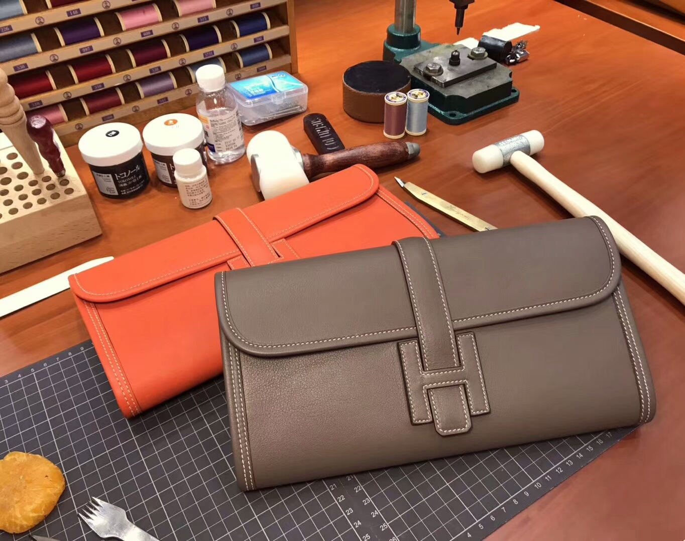 HERMES 爱马仕 手包 配全套专柜原版包装 全球发售 4g brulee 焦糖色