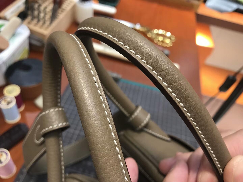 爱马仕 HERMES Lindy 26/30cm 8F錫器灰Etain银扣 配全套专柜原版包装