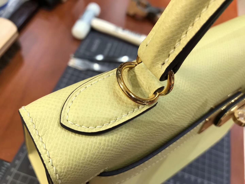 HERMES 爱马仕 C9鹅蛋黄Soufre Kelly 28CM 现货系列 配全套专柜原版包装 金扣