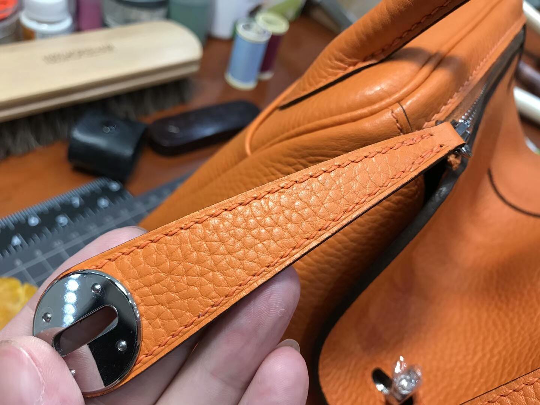 爱马仕 HERMES Lindy 26/30cm ck93 經典橙色 银扣 配全套专柜原版包装