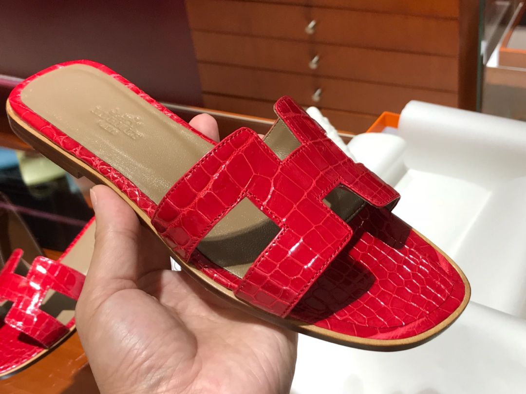 H鳄鱼皮女士拖鞋Crocodileleather法拉利红意大利树羔皮底手工缝制工艺