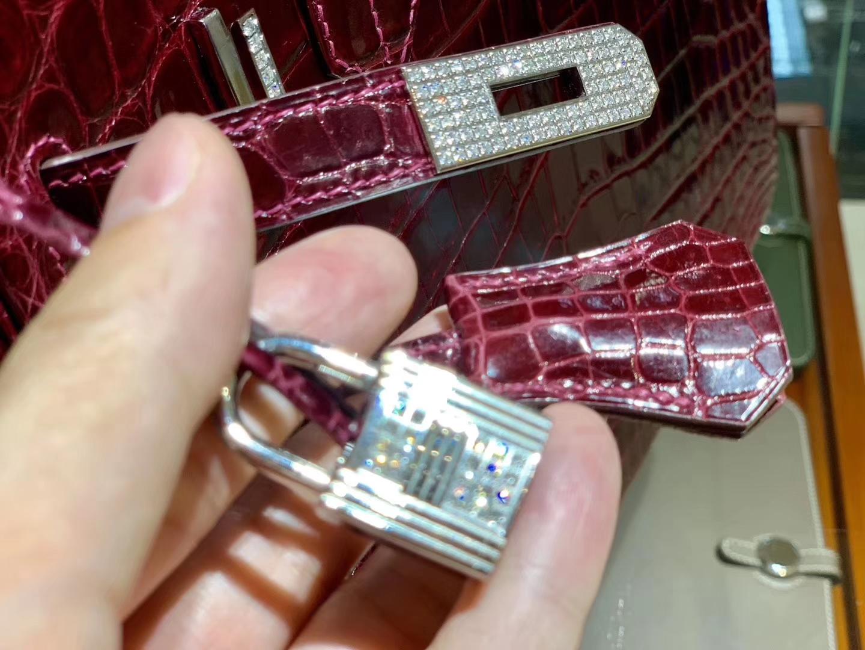 爱马仕 HERMES 铂金包 Birkin 30cm 亮面鳄鱼皮 纯手工 酒红色 带钻  银扣