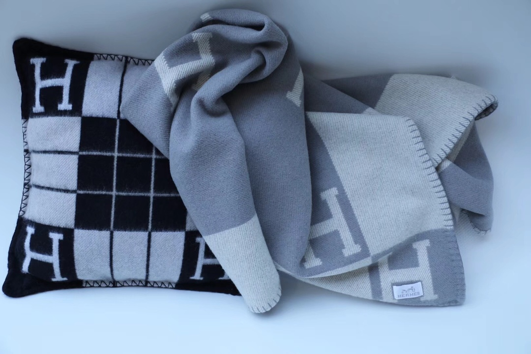 爱马仕中国 H经典款毛毯  灰色  140*180cm  原版包装