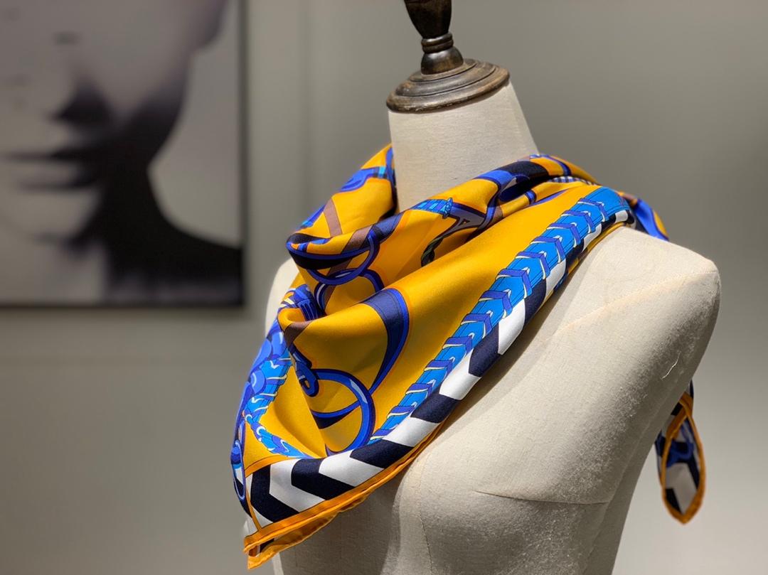 H 方巾《全副马具》太阳黄 90×90cm100%斜纹桑蚕丝 姆米数足套色一级