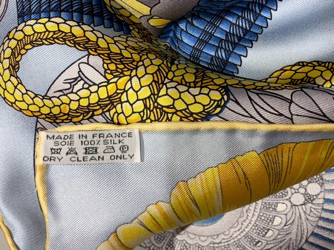 HMS 真丝方巾 《武士的服饰》黄色 足足18姆米 100%斜纹真丝 90*90cm 原版包装