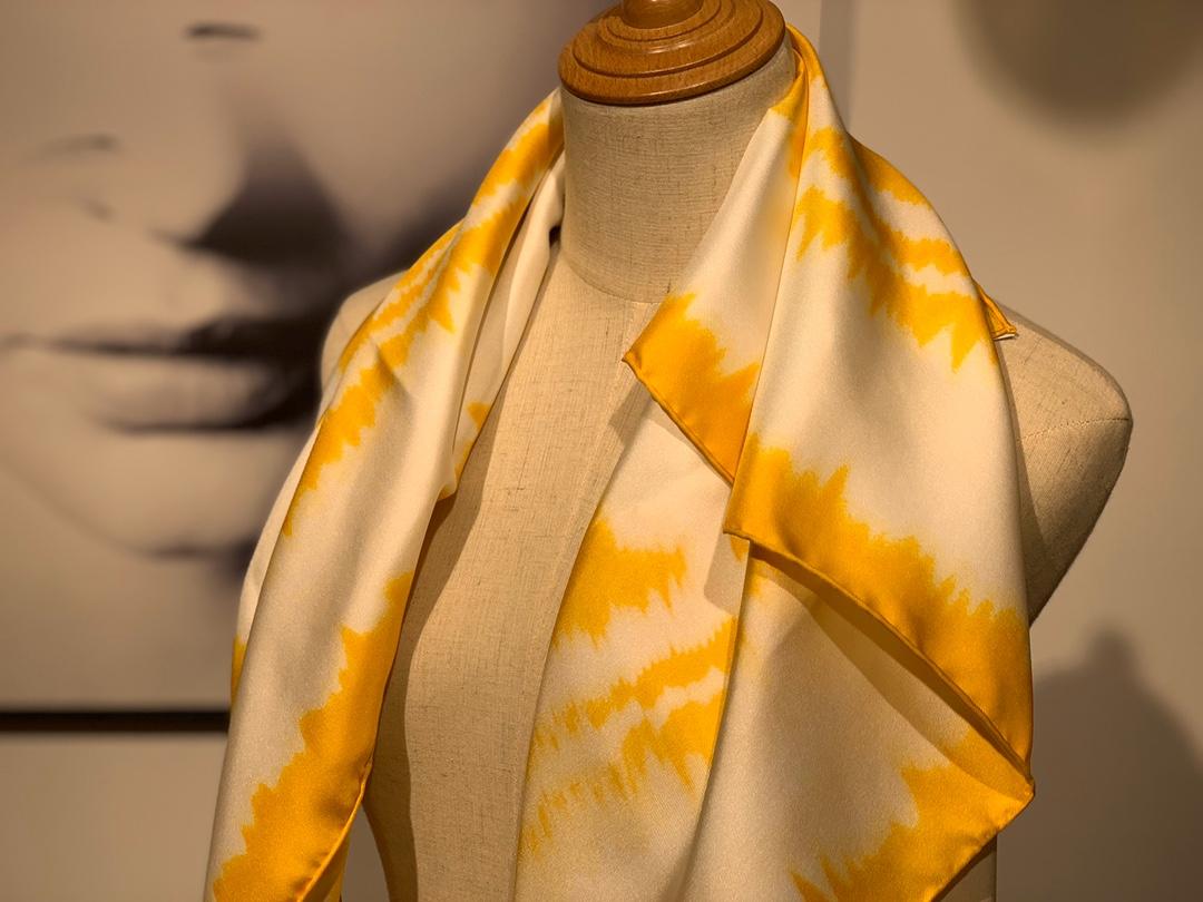 〈 叠影华丽的缰辔 〉黄色 90×90cm 100%真丝 18mm