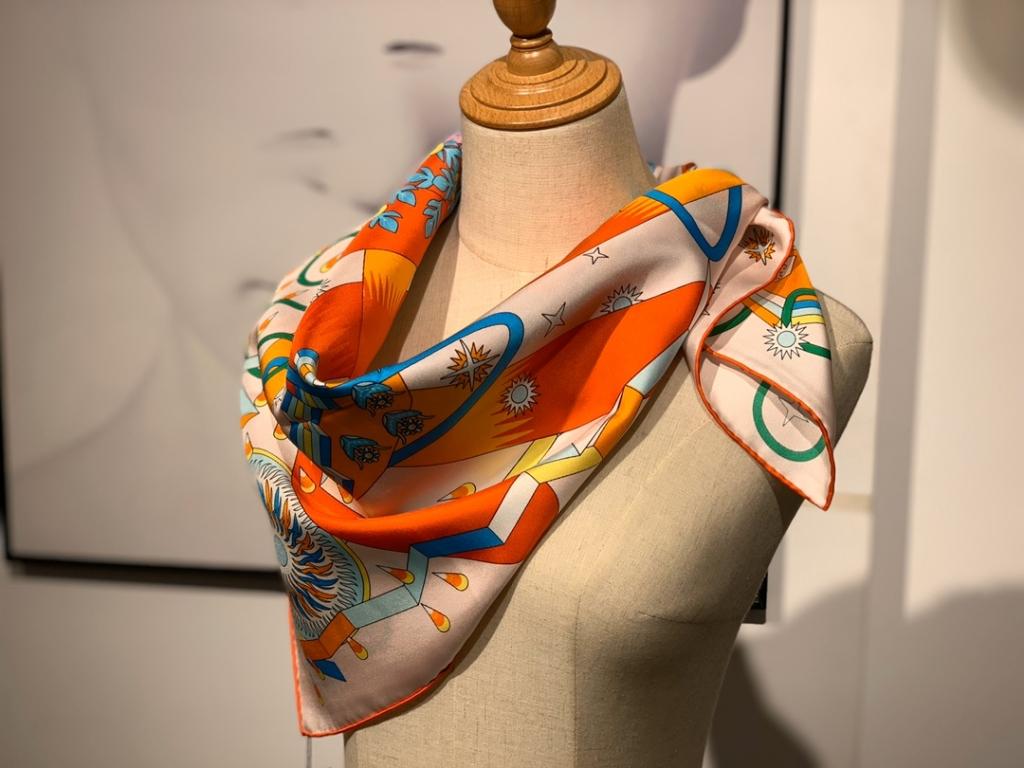 2020春夏新款方巾 《飞马之源》 橙色 90 x 90厘米 100%桑蚕丝