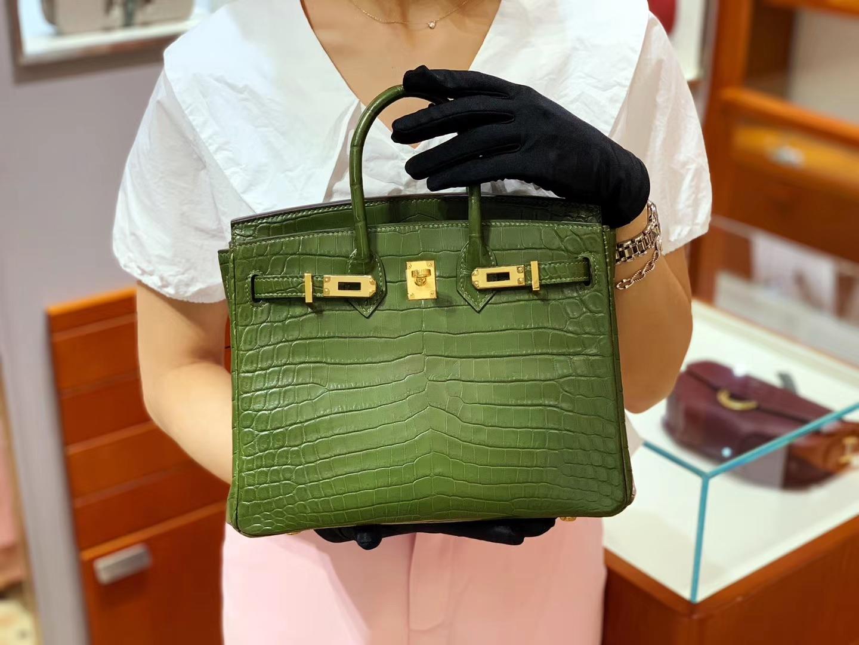 爱马仕包包价格 橄榄绿 鳄鱼皮 金扣 纹路清晰 手感超级好 完胜正品 Birkin 25/30