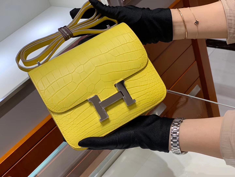 爱马仕香港官网 HERMES Constance 18cm 雾面 柠檬黄