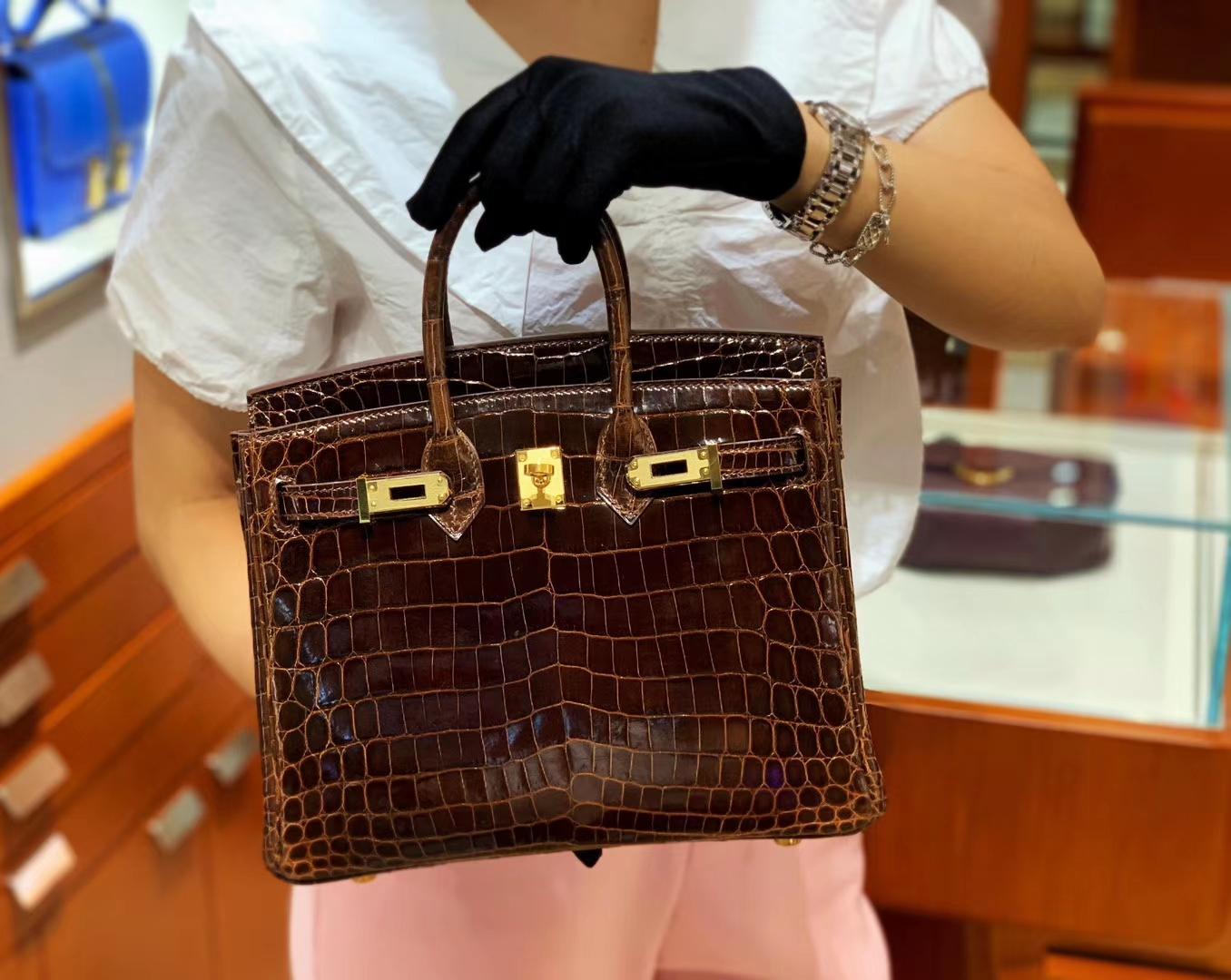 爱马仕包包价格 巧克力棕 鳄鱼皮 金扣 纹路清晰 手感超级好 完胜正品 Birkin 25/30
