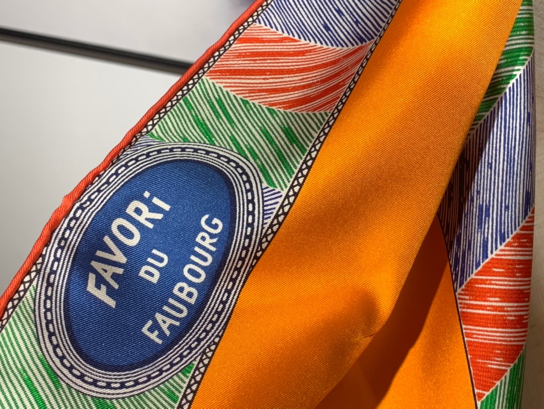 2020年春夏· 新 HERmes《福宝挚爱》 四色入 90*90cm 100%真丝 橙色
