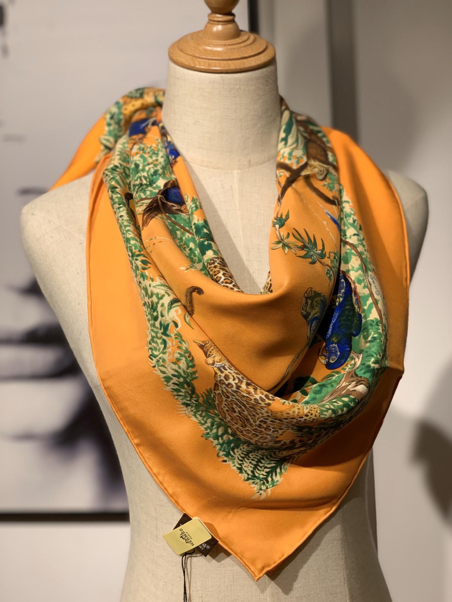 HERMES 《 赤道丛林 》 橙色 · - 90x90cm 100%真丝 全套细节 礼品袋都齐全