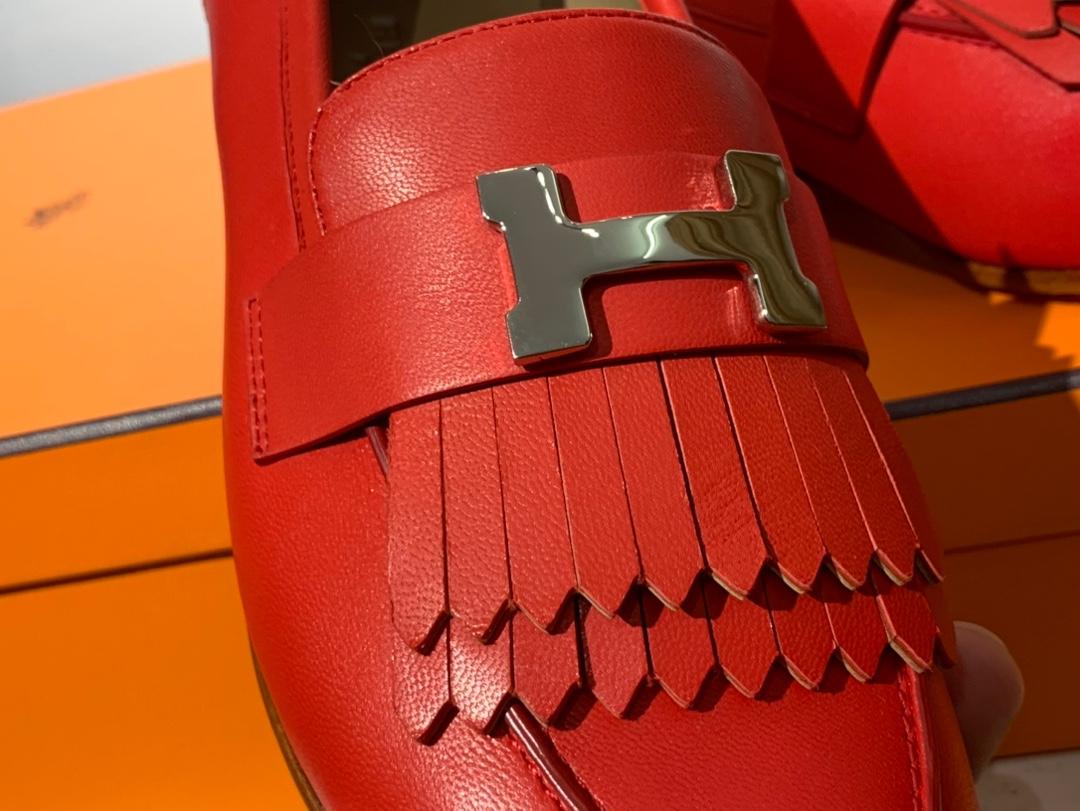 HERMES女款乐福鞋 康康H扣流苏平底鞋 重工艺设计 高调 高端 高档 意大利树羔皮底 纯手工缝制工艺 高端订制 独家品质