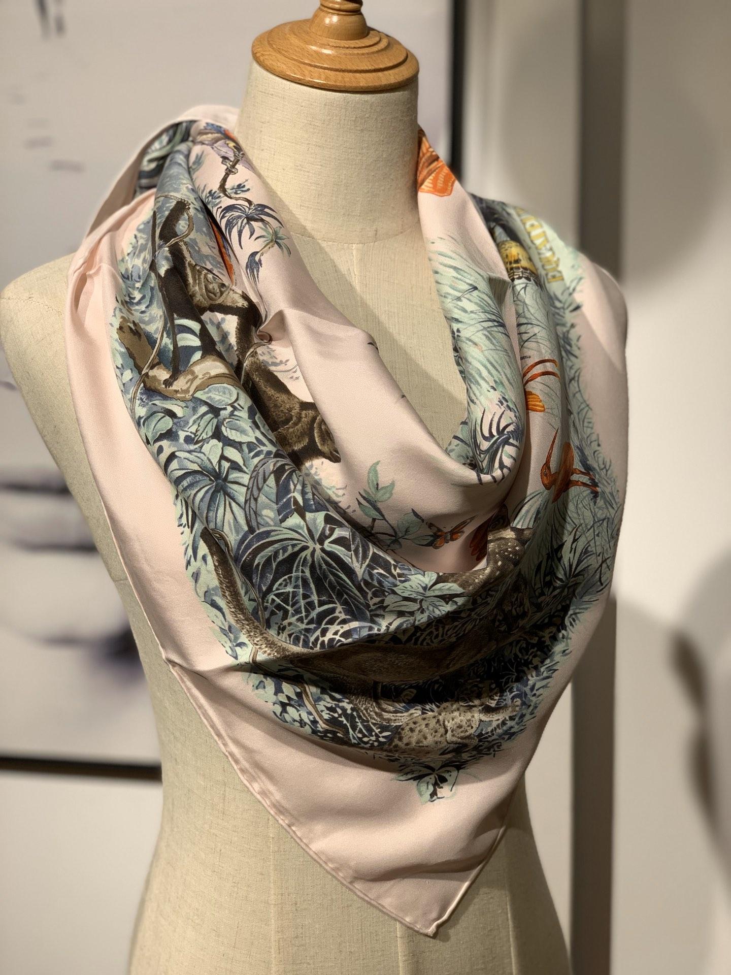 《 赤道丛林 》 粉色 · - 90x90cm 100%真丝 全套细节 礼品袋都齐全
